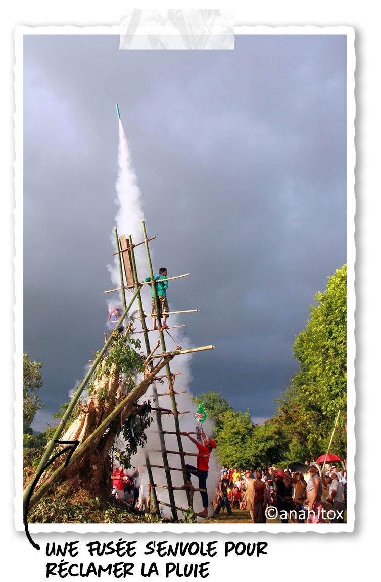 Le lancement des fusées lors du festival des fusées